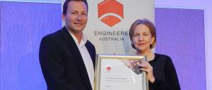 Professor Mary O'Kane NSW Chief Scientist & Engineer presenting the Bradfield award to Andrew Pettifer, Principal NSW Region Leader at Arup