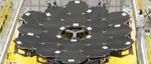 All 18 mirrors are now in place on the Webb telescope. Photo: NASA/Chris Gunn
